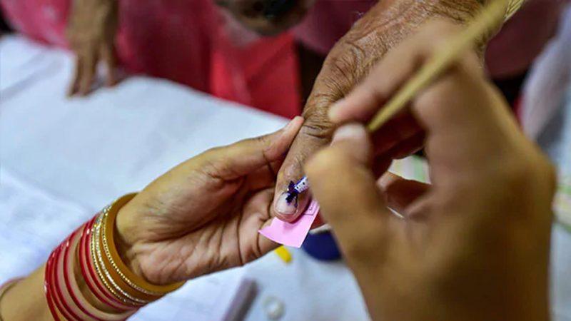 मोदनगंज में अध्यक्ष पद के लिए एक व कुल 25 ने किया नामांकन