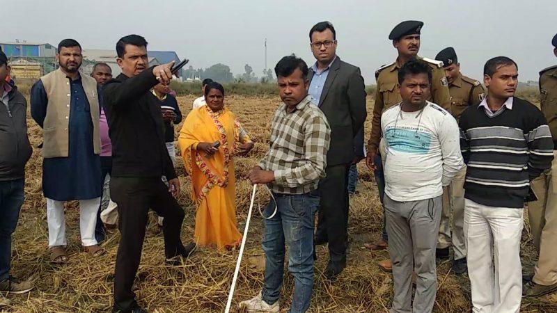 जिला पदाधिकारी नवीन कुमार द्वारा आज काको प्रखंड अंतगर्त अमथुआ पंचायत का भ्रमण कर विकास योजनाओं का लिया गया जायजा