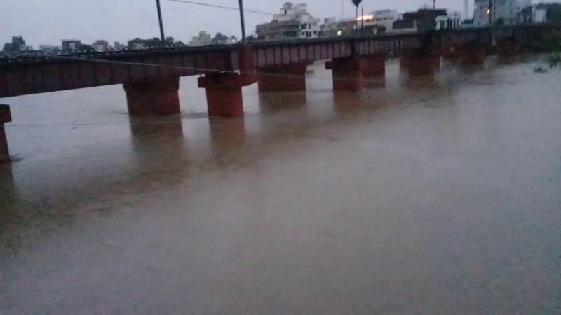 बारिश के बाद जहानाबाद शहरवासियों की बढ़ी परेशानी, अंडरपास में बह रहा 3 फीट पानी