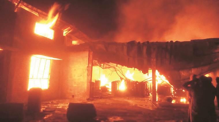 जहानाबाद में  मकान में आग लगने से हजारों की संपत्ति खाक