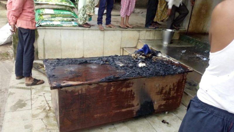 जहानाबाद.शहर के गांधी मैदान में शरारती तत्वों ने किराना दुकान में लगाई आग, दो लाख की संपत्ति हुई राख