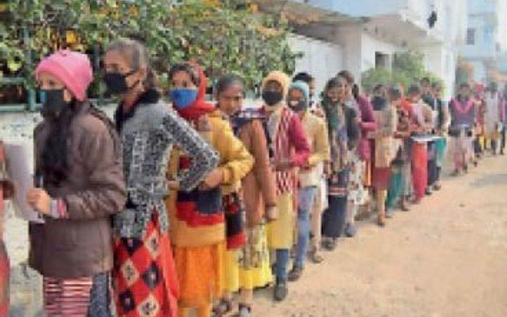 जहानाबाद: इंटर की परीक्षा में दोनाें पालियों में अनुपस्थित रहे 28 परीक्षार्थी, शामिल हुए 1350 में 1322 छात्र
