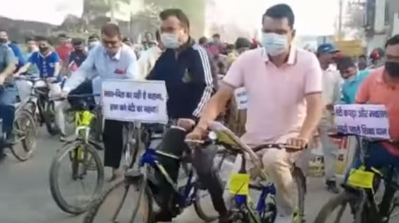 जहानाबाद जिलाधिकारी श्री नवीन कुमार ने साईकिल रैली निकाल शत-प्रतिशत बच्चांे को नामांकन के लिए किया जागरूक