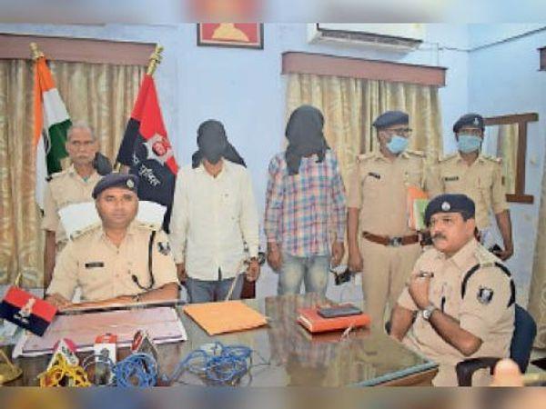 जहानाबाद : महिला की गर्दन काटकर हत्या व सिर गायब करने के मामले में मां-बेटा समेत 3 गिरफ्तार