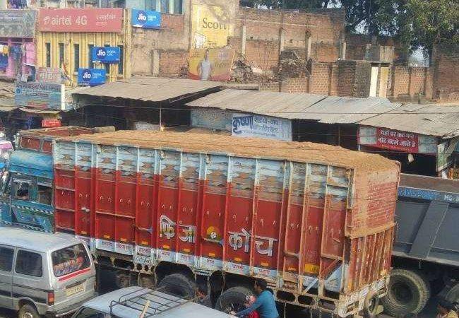 जहानाबाद: बालू लदे तीन ट्रैक्टर को किया गया जब्त