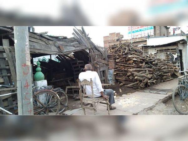 जहानाबाद : 148 लकड़ी के टालों में 137 के पास नहीं है लाइसेंस, पेड़ों की सुरक्षा भी भगवान भरोसे