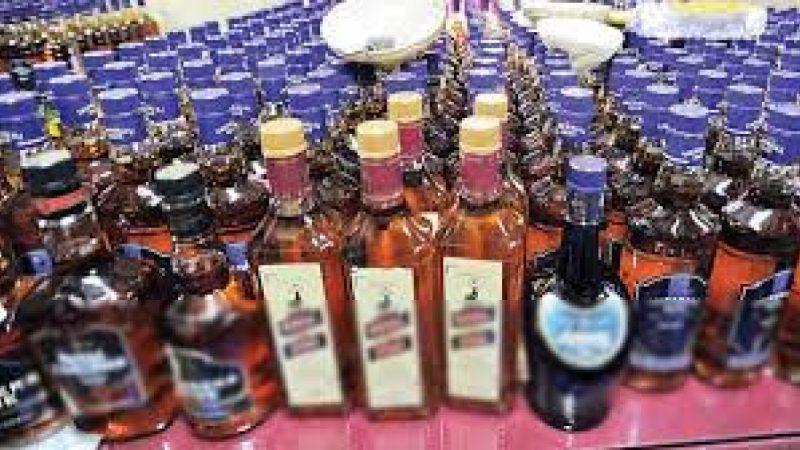 जहानाबाद शहर के नया टोला से घर में छुपा कर रखी गई 221 बोतल शराब जब्त