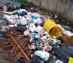 जहानाबाद: हाेली के बाद शहर की मुख्य सड़कों पर कई जगह गंदगी का अंबार