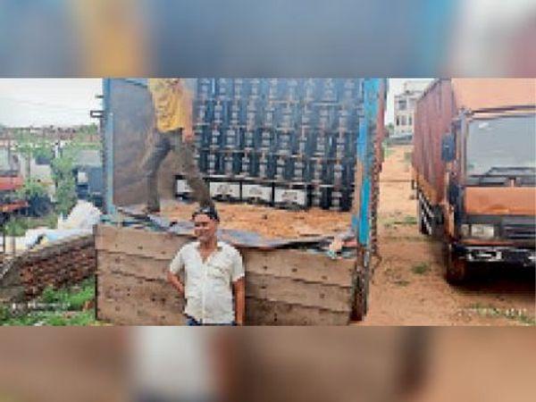 जहानाबाद: ट्रक पर लदी विदेशी शराब के 700 कार्टन जब्त, ड्राइवर-खलासी धराए