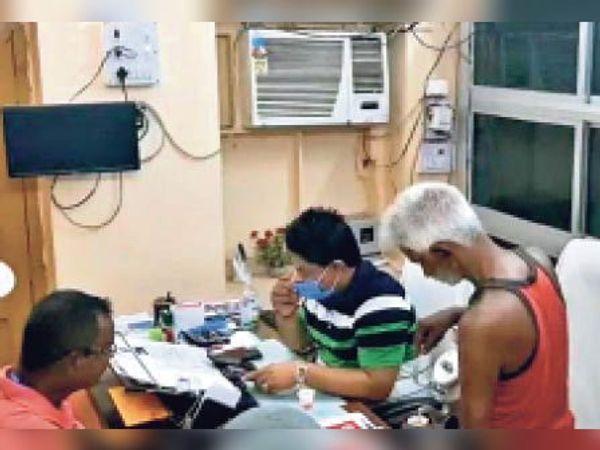 जहानाबाद: बीडीओ साहब जिससे रोज चाय पीते हैं उसी को मृत बता रोक दी पेंशन